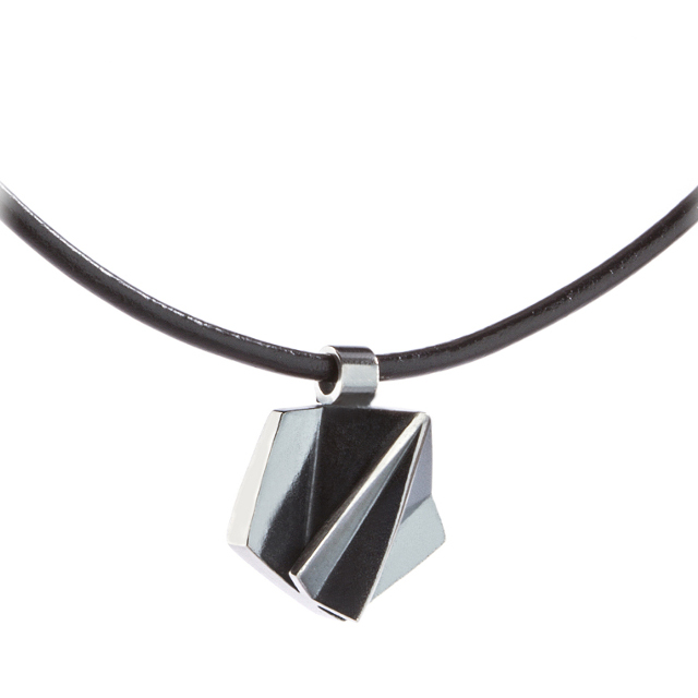 Juhananruusu pendant, leather ribbon